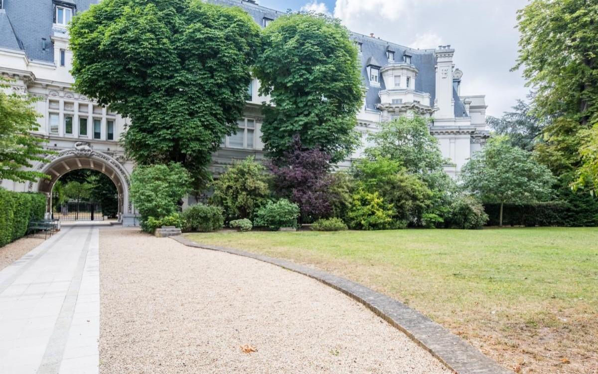 Chateau Madrid (Neuilly-sur-Seine)